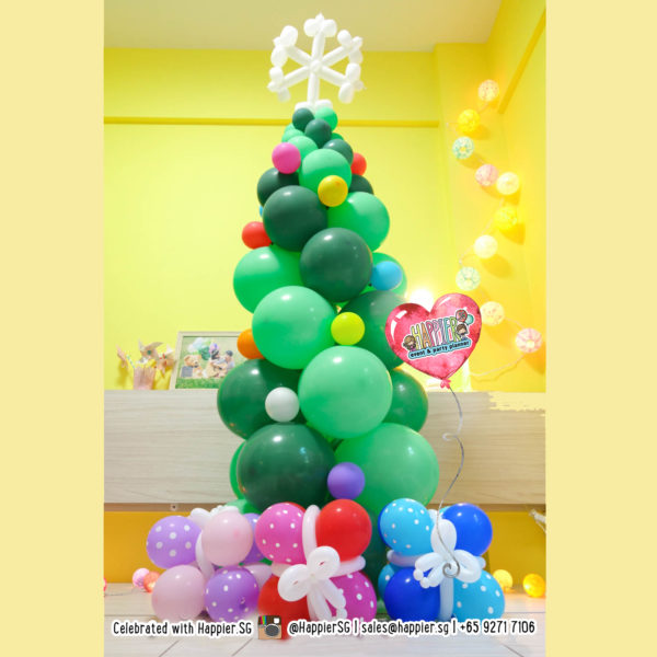 Christmas Tree Balloon Decoration