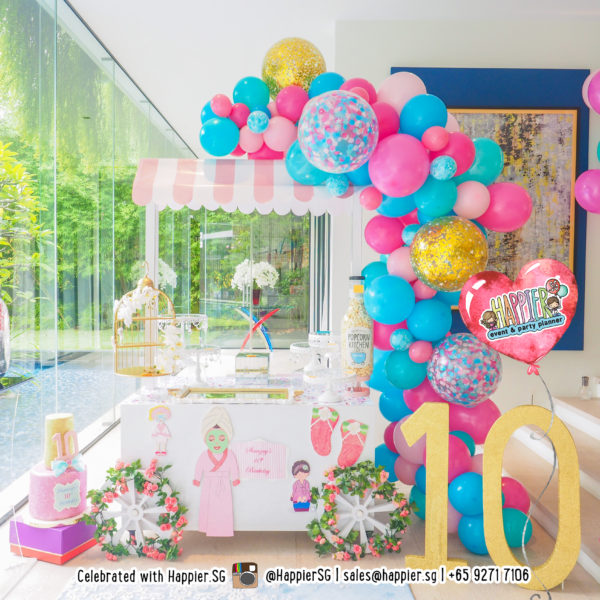 Her Organic Balloon Garland