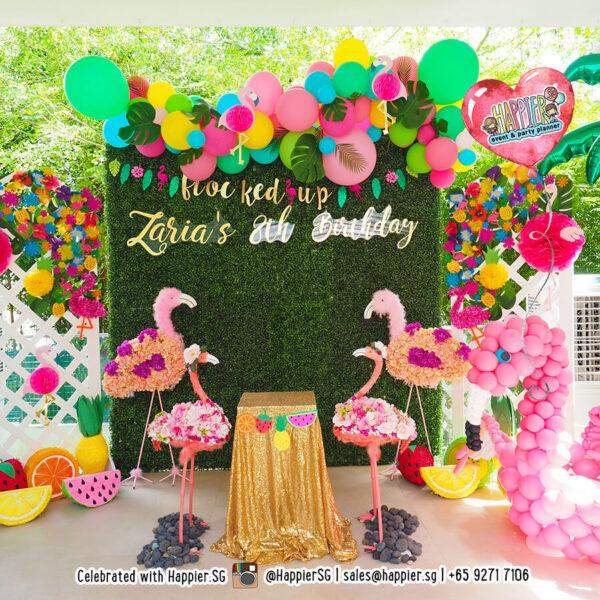 Tropical organic balloon garland backdrop & sculpture