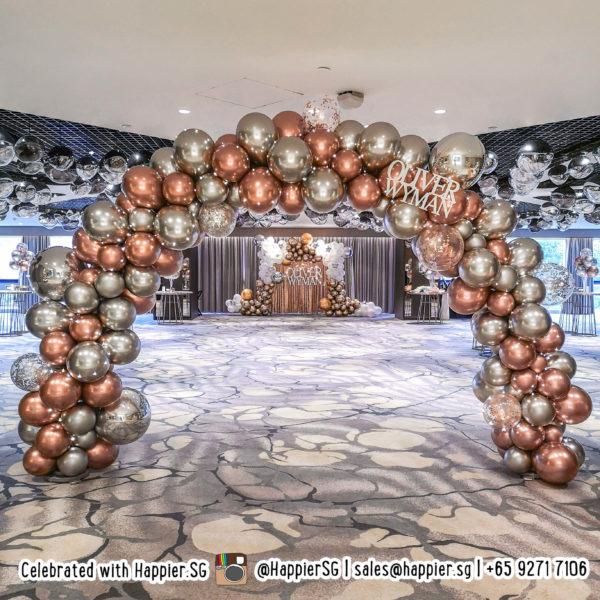 Chrome organic balloon arch decoration